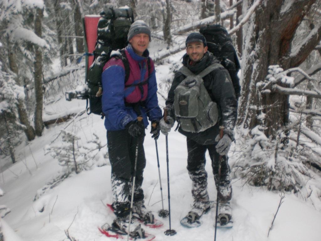 На гребне скалы афонка по пути к Малому Тхачу. Не забываемый день!
