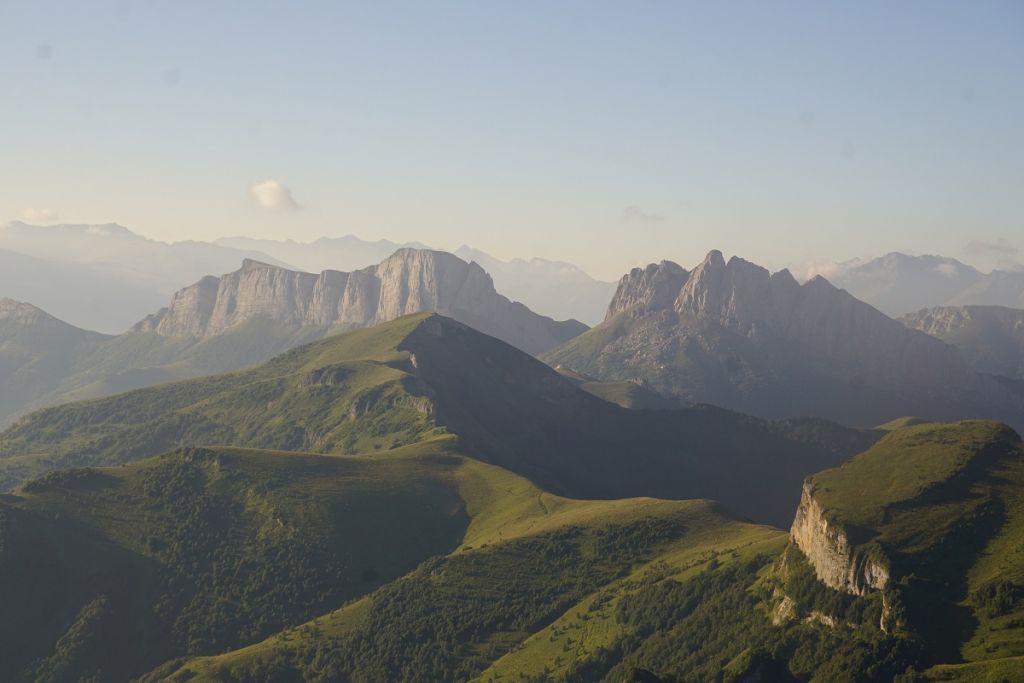 Вид с вершины горы Большой Тхач.
