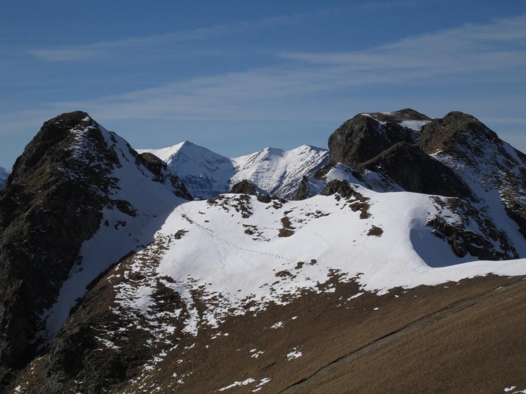 Прошли опасный участок, подходим к горе Джуга.