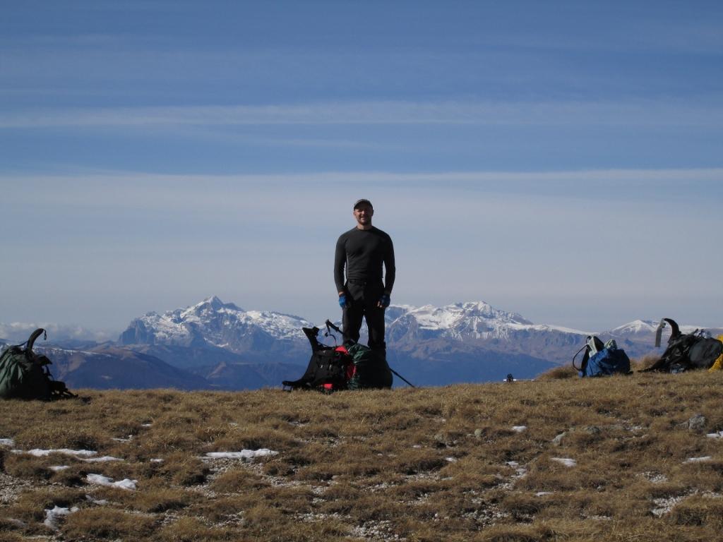 На седловине между горой Джуга и горой Малый Бамбак