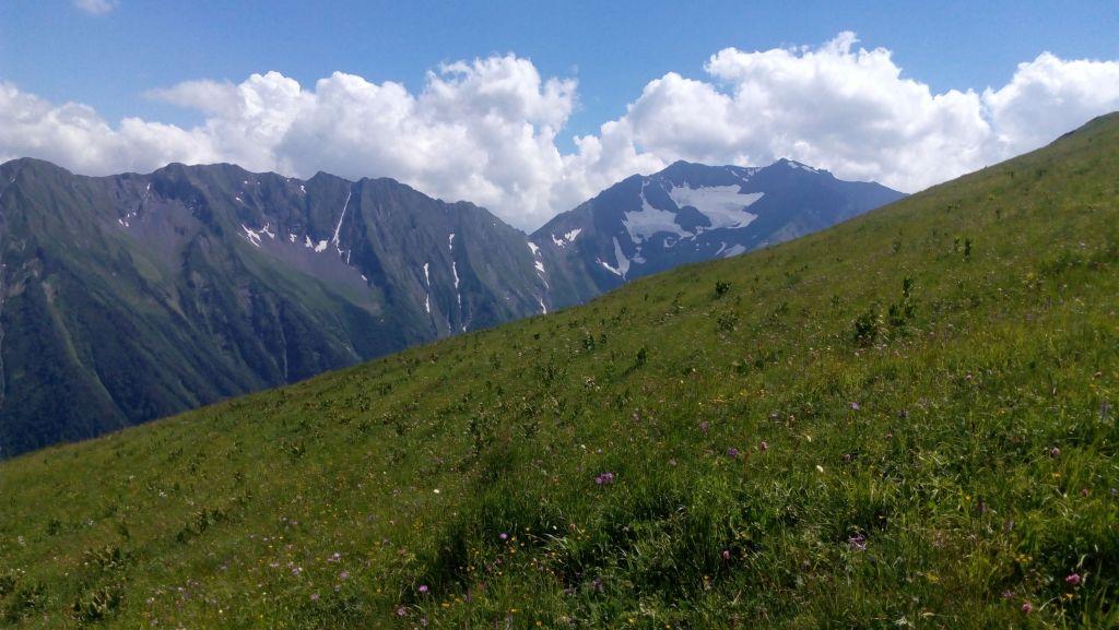 Гора Джемарук и его хребет