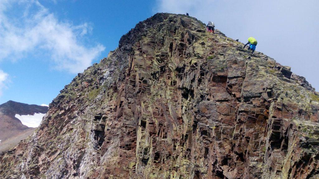 Каменные преграды на пути к вершине
