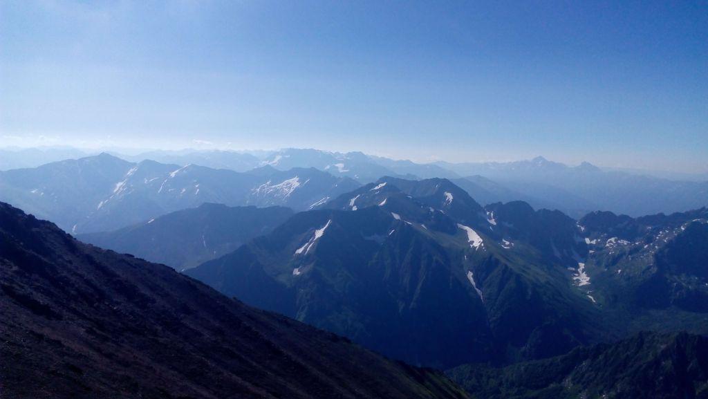 Вид с горы Джемарук на восток