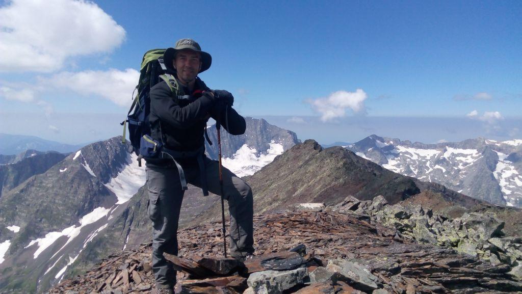 На вершине горы Джемарук Западный.