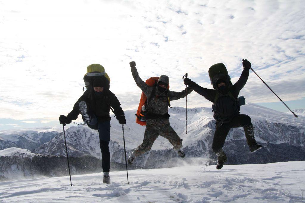 Ноябрь 2020. Встречаем первый снег. Фирменный прыжок на вершине горы Житная